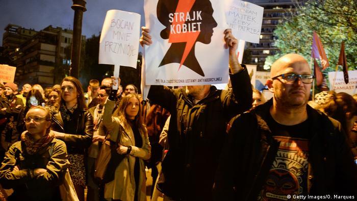 Polen Warschau | Protest gegen ein Gesetz über Sexualpädagogik (Getty Images/O. Marques)