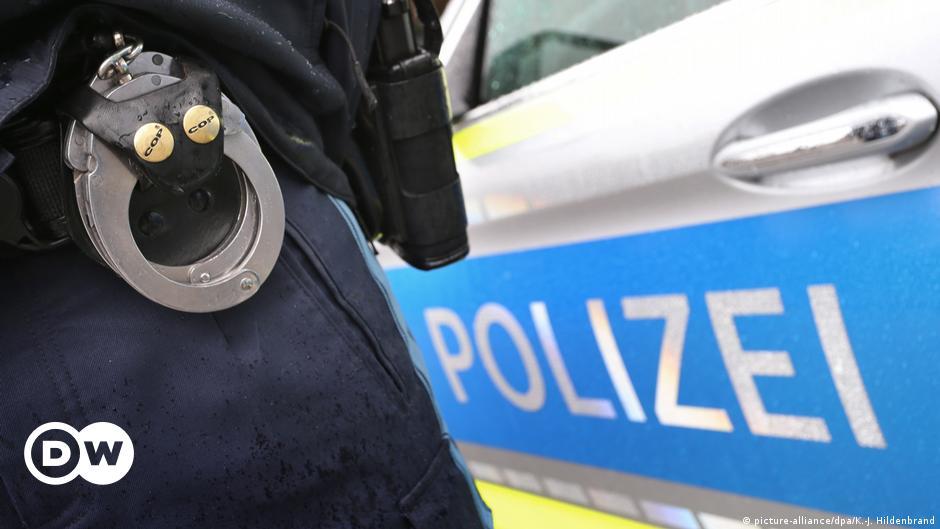 German police busts suspected refugee smuggling ring