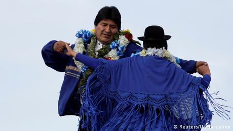 Bolivien Präsident tanzt (Reuters/U. Marcelino)