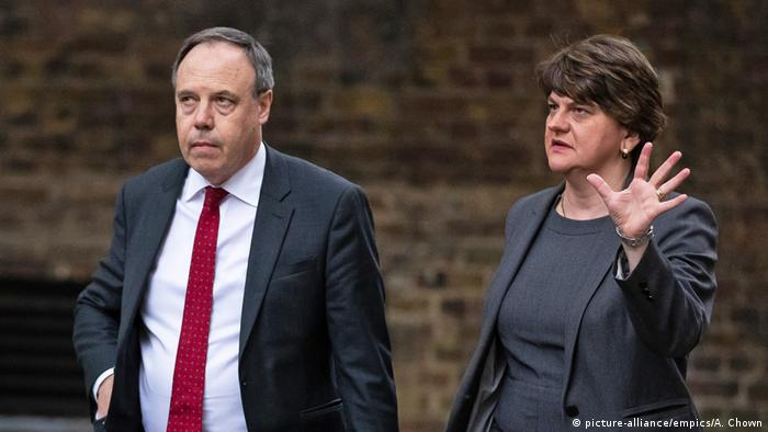 DUP-Vorsitzende Arlene Foster und Vize Nigel Dodds