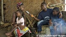 Radioreporter in Leberia - Contemporary Liberia