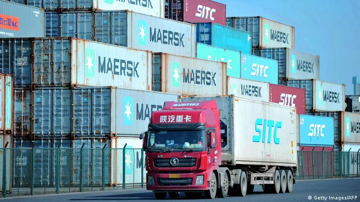 China Qingdao Containerhafen (Getty Images/AFP)