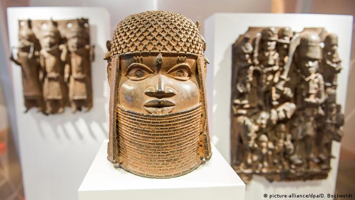 bronze masks fronm BBenin (picture-alliance/dpa/D. Bockwoldt)