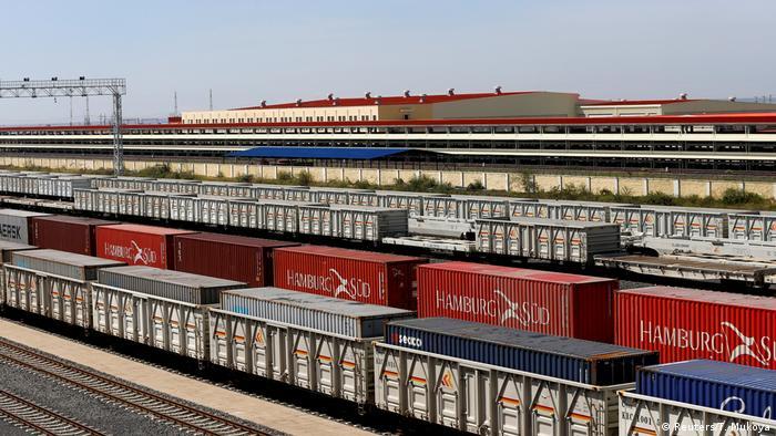 Kenia Nairobi SGR Güterzug (Reuters/T. Mukoya)
