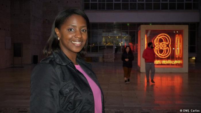 Claudina Correia começou como blogger e hoje é uma das influenciadoras digitais africanas mais populares
