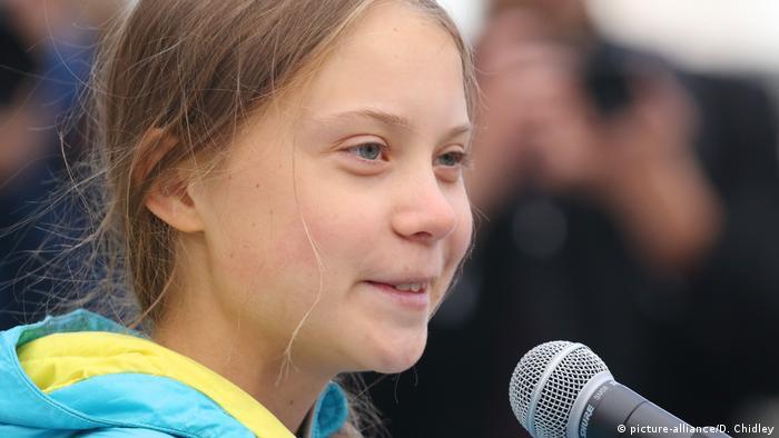 Kanada, Edmonton: Greta Thunberg vor dem Alberta Legislature Building (picture-alliance/D. Chidley)
