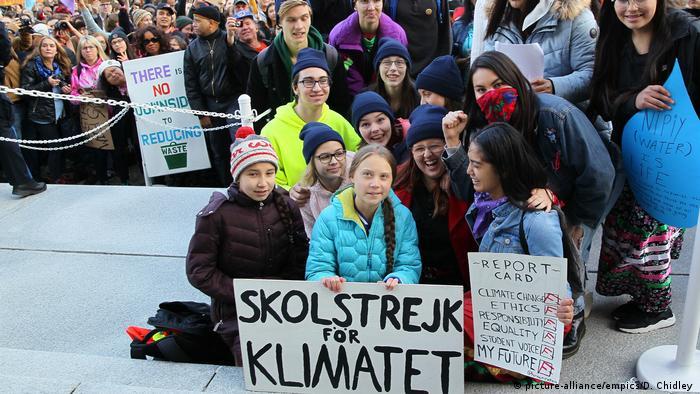 Грета Тунберг разом з учасниками кліматичної акції в Канаді