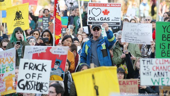 Greta Thunberg bei einer Klimademonstration in Edmonton, Kanada (picture-alliance/empics/D. Chidley )