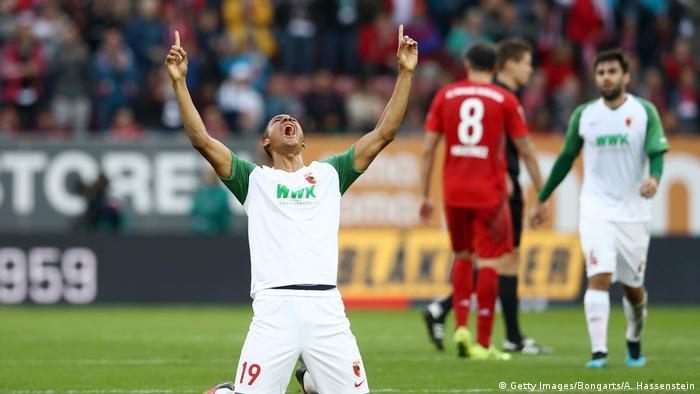 Bundesliga FC Augsburg gegen Bayern München | Jubel Felix Uduokhai (Getty Images/Bongarts/A. Hassenstein)