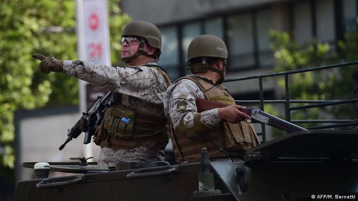 Foto de soldados chilenos en un patrullaje en una imagen de archivo.