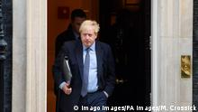 News Bilder des Tages London, Boris Johnson verlässt 10 Downing Street House of Commons Super Saturday Prime Minister Boris Johnson leaves number 10 Downing Street, on his way to the House of Commons, which is sitting on a Saturday for the first time since 1982. Picture date: Saturday October 19, 2019. Photo credit should read: Matt Crossick/Empics PUBLICATIONxINxGERxSUIxAUTxONLY Copyright: xMattxCrossickx 47576466