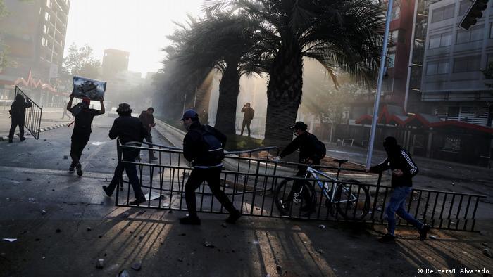 Chile Protest (Reuters/I. Alvarado)