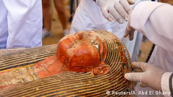 Ägypten Tal der Könige in Luxor   Präsentation Sarkophag-Fund, 30 Särge