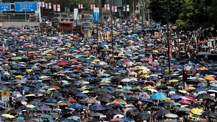 Hongkong Protest gegen China & Auslieferungsgesetz (Reuters/T. Siu)