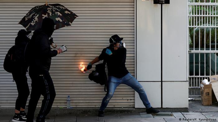 Hongkong Protest gegen China & Ausschreitungen (Reuters/K. Kyung-Hoon)