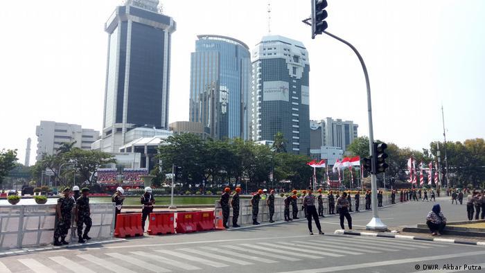 Indonesien Jakarta | Amtseinführung von Präsident Joko Widodo und sein Vizepräsident Ma'ruf Amin (DW/R. Akbar Putra)