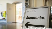 Schweiz Wahlen 2019   Wahllokal im Schulhaus Aemtler