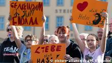 Deutschland Protest gegen Pegida in Dresden zum fünfjährigen Bestehen