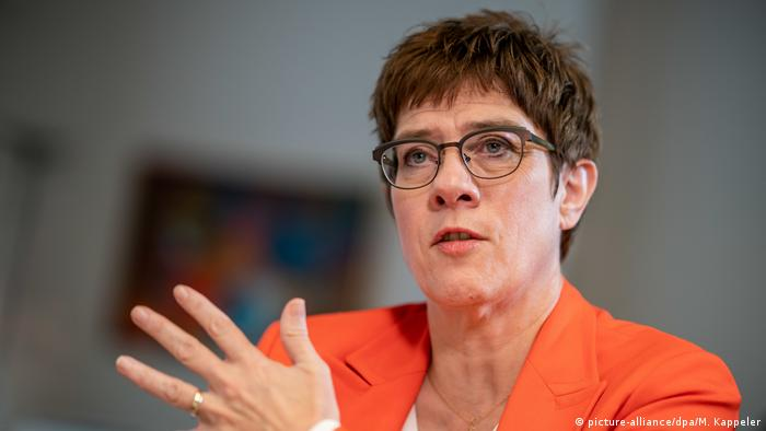 Annegret Kramp-Karrenbauer im Interview zu Sicherheitszone in Syrien