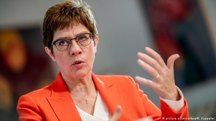 Annegret Kramp-Karrenbauer la interviul despre zona de securitate din Siria
