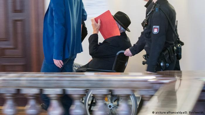Экс-охранник концлагеря Штутхоф на судебном процессе в Гамбурге