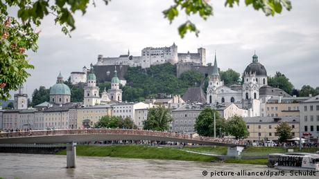 Pierwsze miejsce w najnowszym rankingu top 10 miast zajął Salzburg. To austriackie miasto jest często przyćmione przez pobliski Wiedeń i Monachium. Lonely Planet podkreśla, że Salzburg skradnie serca wszystkich miłośników alpejskich miast. W 2020 roku przypada 100-lecie Festiwalu w Salzburgu, który jest uznawany za największy muzyczny i teatralny pokaz w Europie.