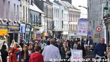Irland Shop Street in Galway
