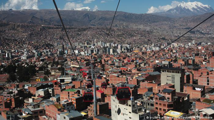 Bolivia cable car in La Paz (picture-alliance/dpa/Sputnik/M. Plotnikova)
