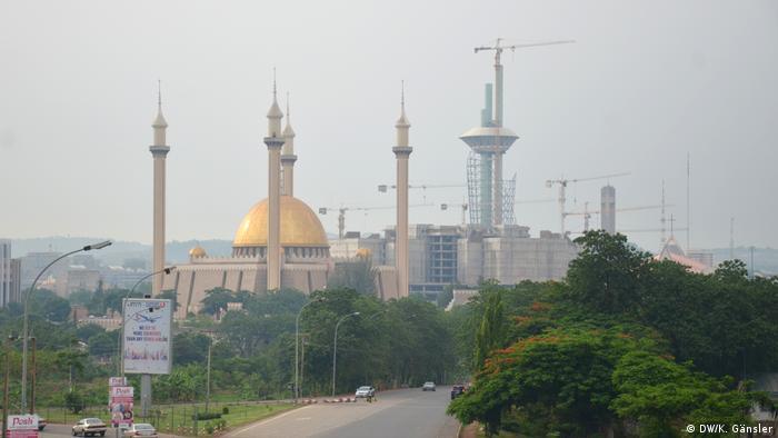 Nigeria Einführung der Scharia Nationalmoschee in Abuja