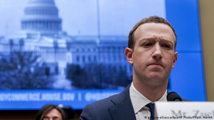 USA | Mark Zuckerberg (picture-alliance/dpa/AP Photo/File/A. Harnik)
