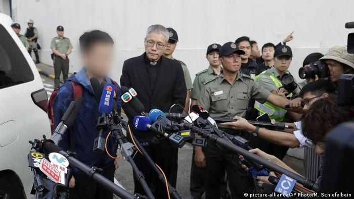 Hong Kong Taiwan Murder Suspect (picture-alliance/AP Photo/M. Schiefelbein)