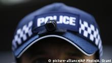 Großbritannien London | Polizist