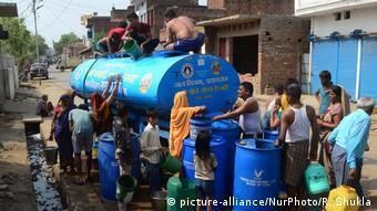 La infraestructura y la gestión deficiente del agua, la disminución de las precipitaciones y el aumento de la población son algunos de los factores que pueden provocar conflictos por el agua.