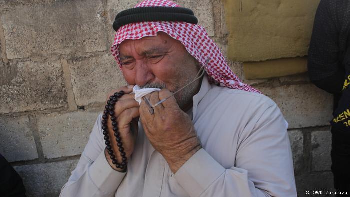 Плачущий беженец