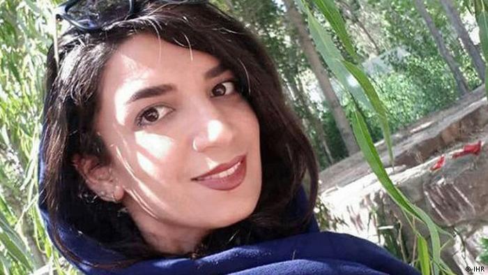میترا فرصتیپور از شهروندان بهائي که اخیرا به اتهام «تبلغ علیه نظام« در خانهاش بازداشت شد