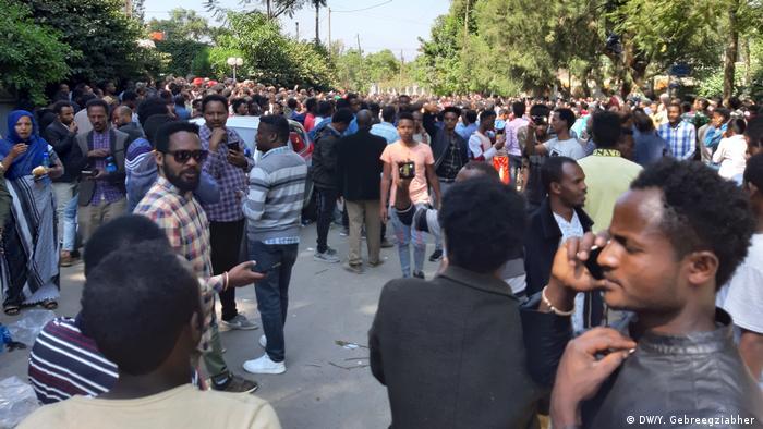 Oromo men protesting