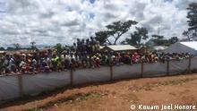 Zentralafrikanische Flüchtlinge sammeln sich im Camp