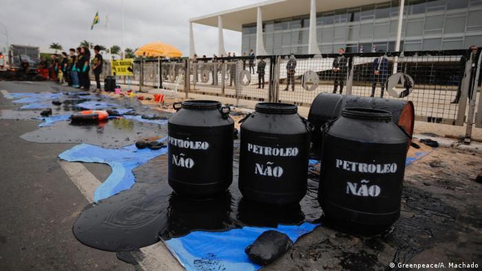 Brasilien | Greenpeace protest gegen Ölpest (Greenpeace/A. Machado)