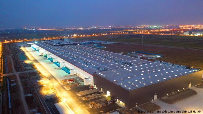 China Teslas Riesenfabrik in Shanghai