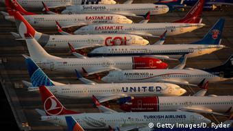 Самолеты Boeing 737 Max разных авиакомпаний, простаивающие из-за запрета на полеты