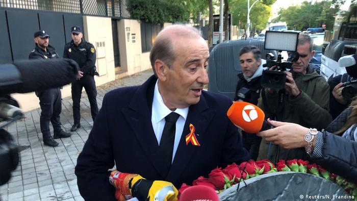 Auch ein Enkel des Diktators - sein Name ist ebenfalls Francisco Franco - nahm an der Umbettung teil (Foto: Reuters/N. Frandino)