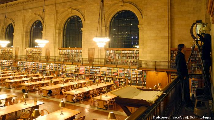 New York Public Library Reading Room (picture-alliance/dpa/J. Schmitt-Tegge )