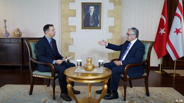 Mustafa Akinci im DW Interview