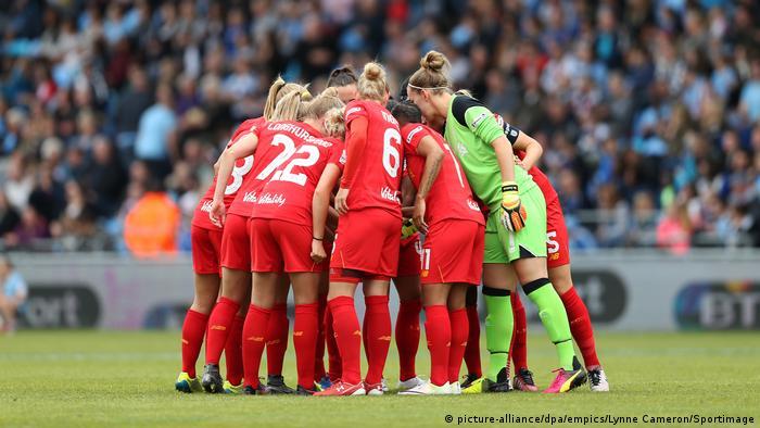 Frauenfussball Boomt In England Derby Zwischen Liverpool Und
