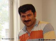 بهمن احمدی امویی در طول ۲۸ ماه گذشته در بند ۳۵۰ زندان اوین بهسر برده است
