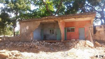 Casa destruída pelo ciclone Kenneth, na província de Cabo Delgado, Moçambique