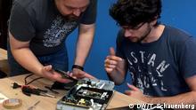 Elektromüll und Reparieren / E-Waste and Repair