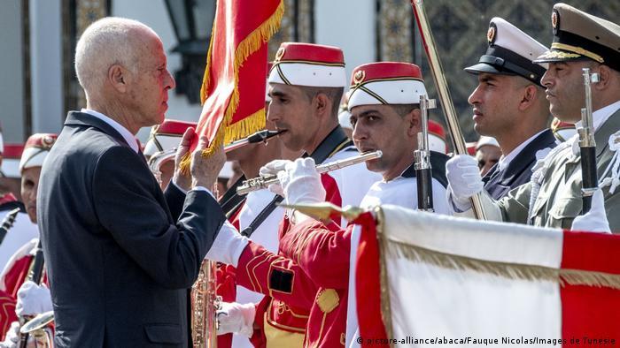 Tunesien Kais Saied, neu gewählter Präsident | (picture-alliance/abaca/Fauque Nicolas/Images de Tunésie)