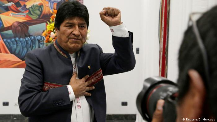 Bolivien Präsidentschaftswahlen Evo Morales Jubel Pose