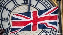 London Brexit / Flagge vor Uhr am Queen Elizabeth Tower